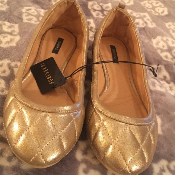 1471b7fa6e2 Forever 21 metallic Gold flats quilted size 7. NWT